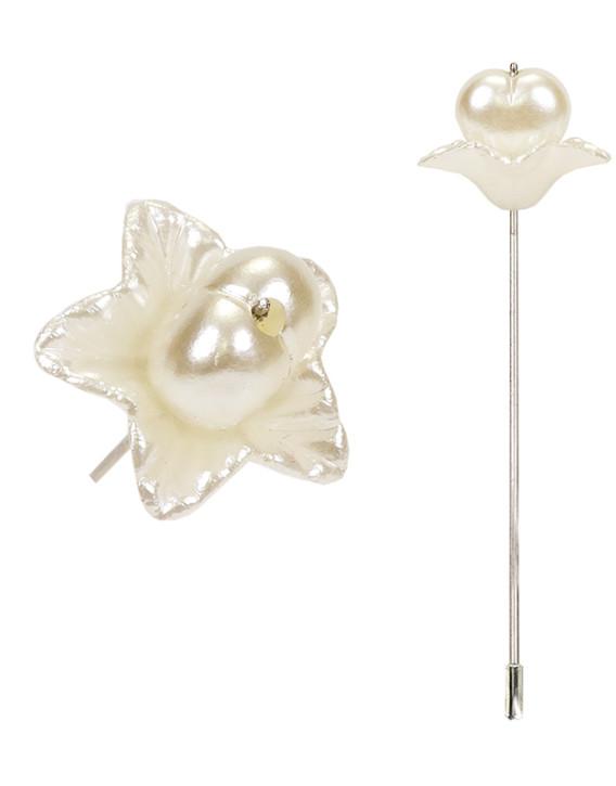 alfiler flor nacarada delicado