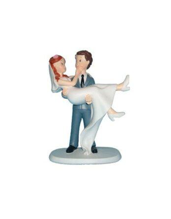 figura-pastel-novios-en-brazos