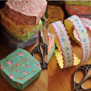 cinta-floral-mensajes-en-caja-de-presentacion
